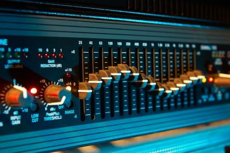 오디오: 색깔 빛에 오디오 이퀄라이저 스톡 사진