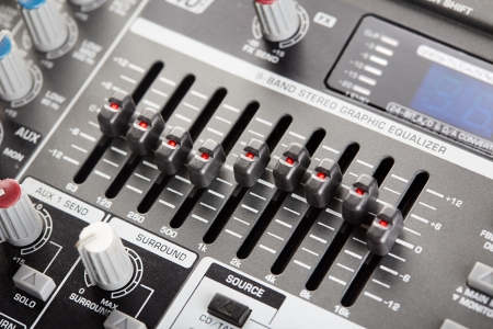 Professionele grafische audio equalizer close-up Stockfoto