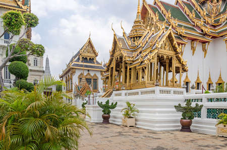Phra Thinang Aphorn Phimok Prasat - an open pavilion, built on a platform by King Rama IV as a robing pavilion also used as the king's royal palanquin mounting platform, decorated with gold and silver glass mosaic Editoriali