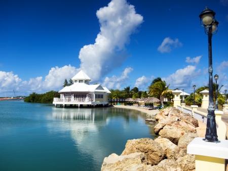 Дом на берегу моря. Варадеро, Куба Фото со стока