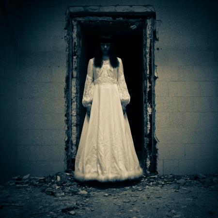 Horror Scene von einem Scary Frau Standard-Bild - 14998879