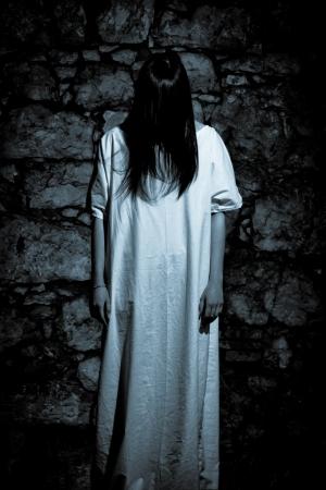 Horror-Szene eines wahnsinnigen Frau Standard-Bild - 15403126