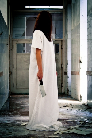 Horror-Szene eines wahnsinnigen Frau Standard-Bild - 15562109