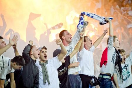 RIJEKA, CROATIA - SEPTEMBER 22: fans on soccer match between HNK Rijeka and GNK Dinamo on September 22, 2012 in Rijeka, Croatia 新闻类图片