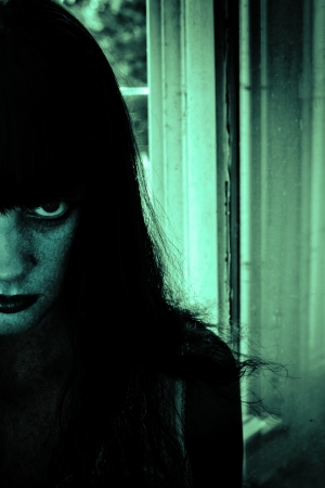 thriller: Horror Portrait of a Woman