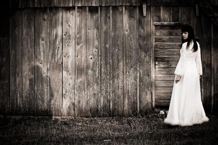Horror-Szene eines wahnsinnigen Frau Standard-Bild - 27785251