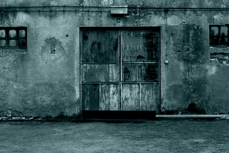 神秘的なドア
