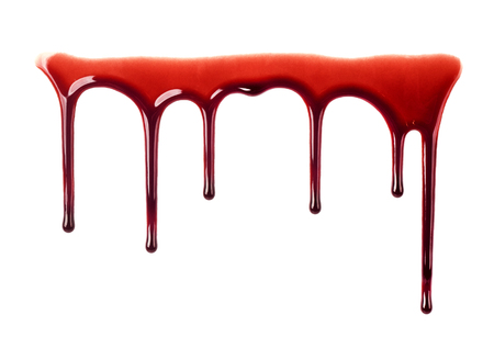 Goteo de sangre aislado en blanco