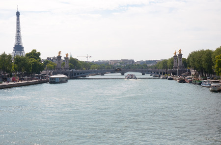 alexandre: View of the Pont Alexandre III and the Eiffel Tower .