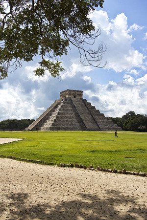 El Castillo, the famous pyramid of Chichén Itza, Mexico