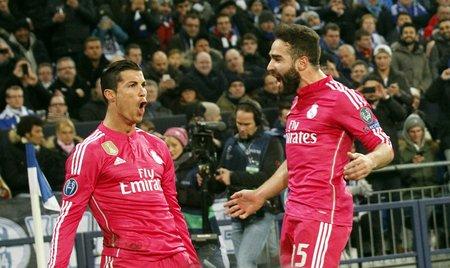ゲルゼンキルヒェン、ドイツ、2 月 18: クリスティアーノロナウド、Ronaldo、Daniel、カルバハル、本当のマドリードで、チャンピオン リーグ、マッチ