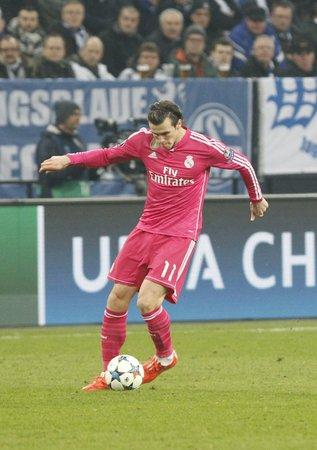 real madrid: Gelsenkirchen, Allemagne - 18 Fevrier: Gareth Bale  sieurs couleurs du match de Champion de Ligue Entre Schalke 04 et le Real Madrid Au Veltins-Arena le 18 Fevrier 2015 Gelsenkirchen, Allemagne