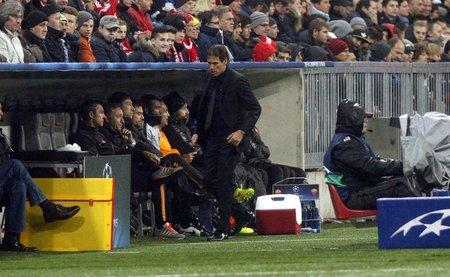 garcia: Munich, Germany - November 5: Rudi Garcia i DURING THE AS Roma Champions League entre Bayern Munich and AS Roma at the Allianz Arena November 5, 2015 Munich, Germany Editorial
