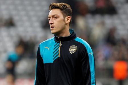 ミュンヘン - 11 月 4 日: Mesut Ozil チャンピオン リーグ戦バイエルン ミュンヘン - ミュンヘン、ドイツのアリアンツ ・ アリーナは 2015 年 11 月 4 日で F 報道画像
