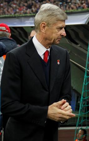 ミュンヘン - 11 月 4 日: Arsene ベンゲル監督で、チャンピオンズ リーグ バイエルン ミュンヘン一致 - アリアンツ ・ アレーナ 2015 年 11 月 4 日にアー