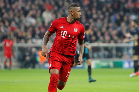 champions league: Munich - November 4: Jrome Boateng In the Champions League match Bayern Munich - Arsenal FC at the Allianz Arena November 4, 2015 Munich, Germany