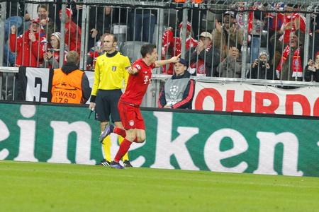 champions league: Munich - November 4: Robert Lewandowski goal in the Champions League match Bayern Munich - Arsenal FC at the Allianz Arena November 4, 2015 Munich, Germany Editorial