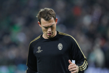 activ: Stephan Lichtsteiner During The heating of the Champion League match Borussia Monchengladbach - Juventus Austrade borussia - Park November 3, 2015, Monchengladbach, Germany Editorial
