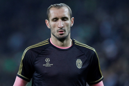 activ: Giorgio Chiellini During The heating of the Champion League match Borussia Monchengladbach - Juventus Austrade borussia - Park November 3, 2015, Monchengladbach, Germany