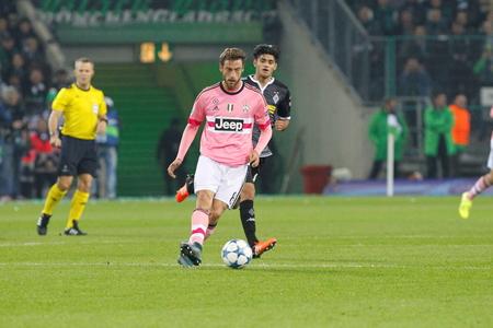 チャンピオン リーグでクラウディオ Marchisio 一致ボルシア ・ メンヒェングラートバッハ - ボルシア ユベントスのステージ - パルク 2015 年 11 月 3 日 報道画像