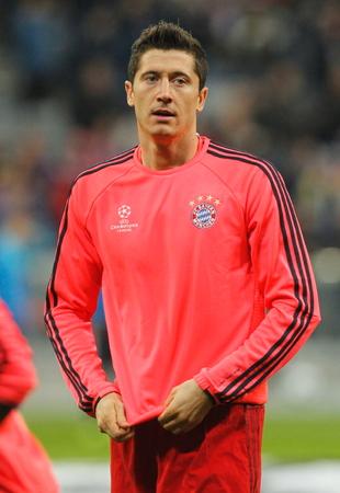 ロバート Lewandowski リーグ チャンピオン バイエルン ミュンヘン - ディナモ ザグレブ 2016 年 9 月 29 日、ドイツのミュンヘン、アリアンツ アリーナで
