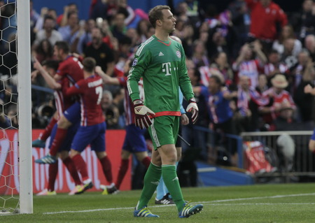 champions league: MADRID, SPAIN - April 27 Manuel Neuer in Action During the semifinal match of the UEFA Champions League first leg entre Atletico Madrid and the Bayen Munich at the Vicente Calderon April 27, 2016 Madrid, Spain
