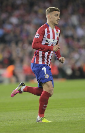 MADRID, SPAIN - April 27: Antoine Griezmann in action During the semifinal match of the UEFA Champions League first leg between Atletico Madrid and the Bayen Munich at the Vicente Calderon April 27, 2016 Madrid, Spain