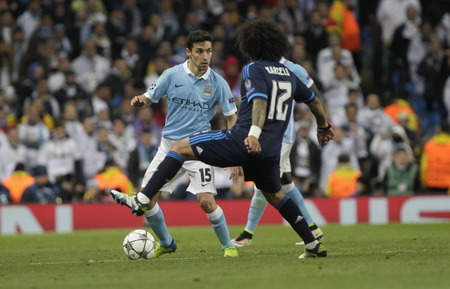 horizontale: MANCHESTER, England - April 26: in action during the semi final of the UEFA Champions League first leg between Manchester City and Real Madrid at the Etihad Stadium April 26, 2016 Manchester, England © Laurent Lairys  Agency Locevaphotos  Alamy Stock n