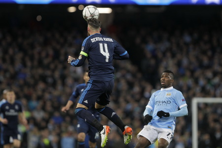 real madrid: MANCHESTER, England - April 26: in action during the semi final of the UEFA Champions League first leg between Manchester City and Real Madrid at the Etihad Stadium April 26, 2016 Manchester, England © Laurent Lairys  Agency Locevaphotos  Alamy Stock n
