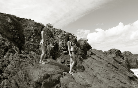 nude nature: girls posing in the coast