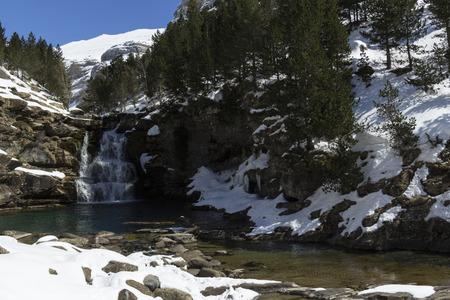 River in den Pyrenäen