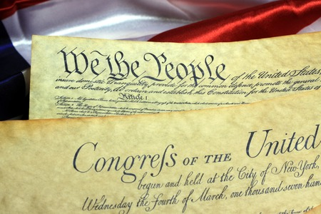 Amerikaanse grondwet en Amerikaanse vlag Stockfoto - 35288862