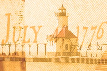 lake michigan lighthouse: Doble exposici�n St. Joseph faro del norte del embarcadero a lo largo de la costa del Lago Michigan Foto de archivo