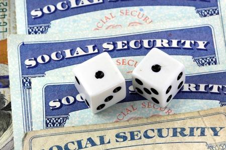 Gokken op sociale uitkeringen en pensioen Stockfoto - 73745834