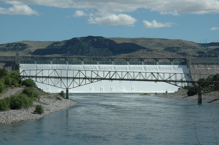Grand Coulee Dam from distance.