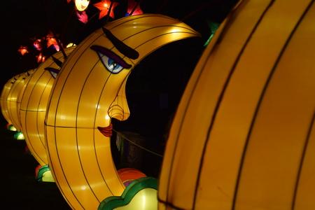 랜 턴 축제에서 중국어 등불 달입니다.