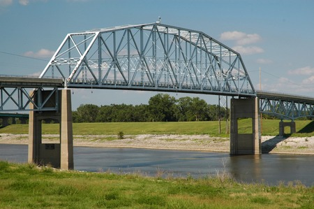 superstructure: Chain Of Rocks Canal Bridge