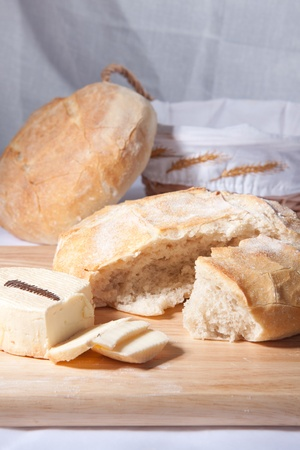 Fresh cooking bread with white cheese on the wooden desk Stock Photo - 8404974