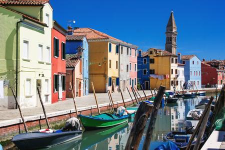 case colorate: Colorful houses on Burano island, Venice, Italy Archivio Fotografico
