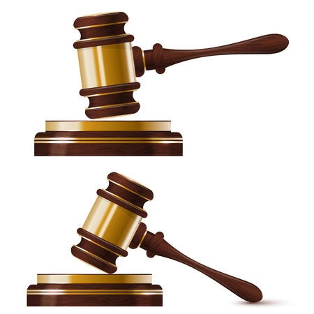 裁判官の 2 つの木製金のハンマーのセットです。