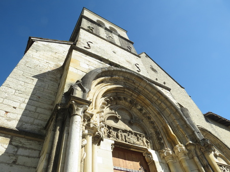 Abbaye Notre-Dame Ambronay Banque d'images - 85493851