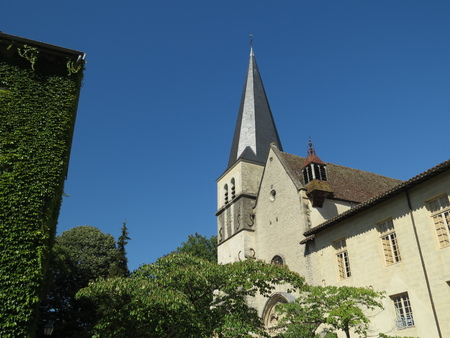 Abbaye Notre-Dame Ambronay Banque d'images - 85632447