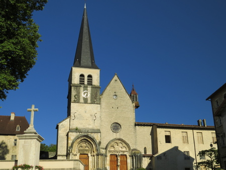 Abbaye Notre-Dame Ambronay Banque d'images - 85493854