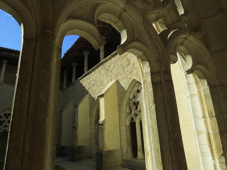 Abbaye Notre-Dame Ambronay Banque d'images - 85632451