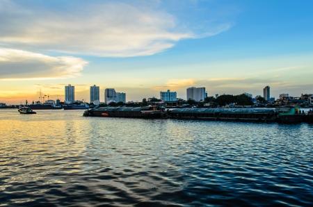 phraya: Cargo Boat at Chao Phraya