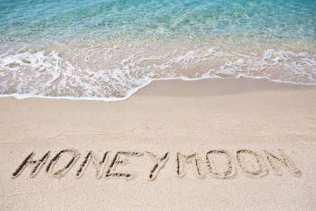 luna de miel: Luna de miel en la arena