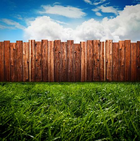 wood lawn: Green Garden