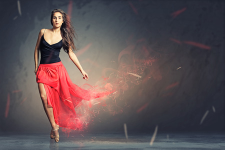 Tänzer Standard-Bild - 28218900