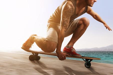 skaters: Longboarder