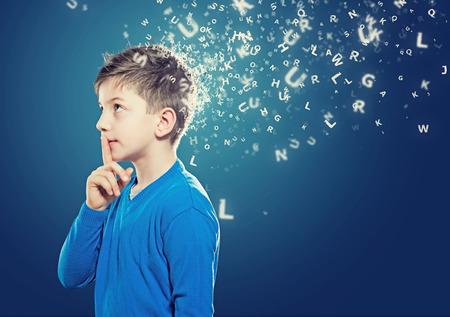 genio de la lampara: Ni�o de pensamiento